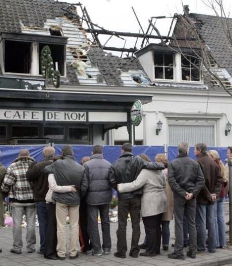 Agent blikt terug op fatale brand in café De Kom in Boxtel: 'Er stond een auto vol met sinterklaascadeaus'