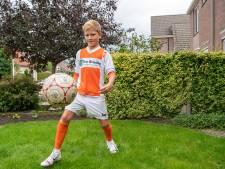 Ballenjongen Yoran (11) uit Lemelerveld gaat viraal: 'Ze vroegen of ik al een contract had'