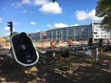 Walsen en werklui: kruispunt Holterweg - Oostriklaan is nu bouwput