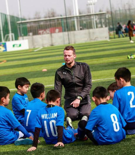 Alphenaar Bryan de Vries (24) is hoofdtrainer in China