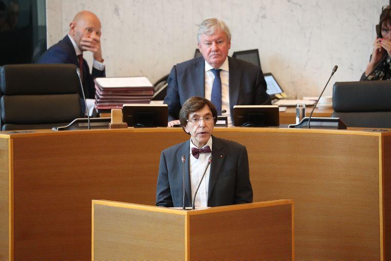 Kersvers minister-president Elio Di Rupo (PS) in het Waalse parlement vandaag.