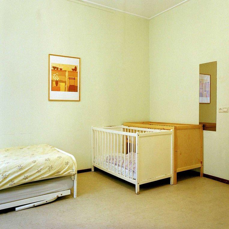De kamer in 'Het Toevluchtsoord' waar vrouwen als eerste worden opgevangen.   Beeld Harry Cock / de Volkskrant