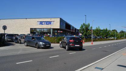 """""""Dringend mierennest aan De Witte Molen aanpakken"""": verkeerssituatie is gevaarlijk door succes winkelcentrum"""