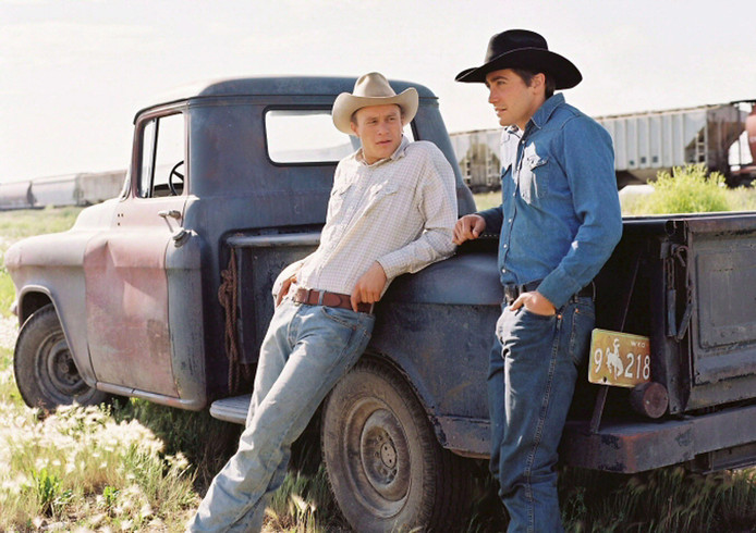 Heath Ledger (L) en Jale Gyllenhaal in Brokeback Mountain.