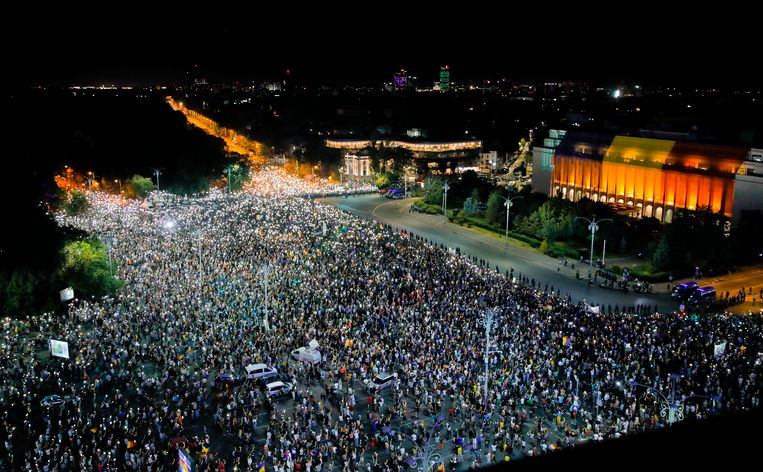In Roemenië wordt al verschillende dagen geprotesteerd tegen de regering.