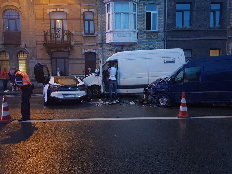 Er waren 4 voertuigen betrokken bij het ongeval.