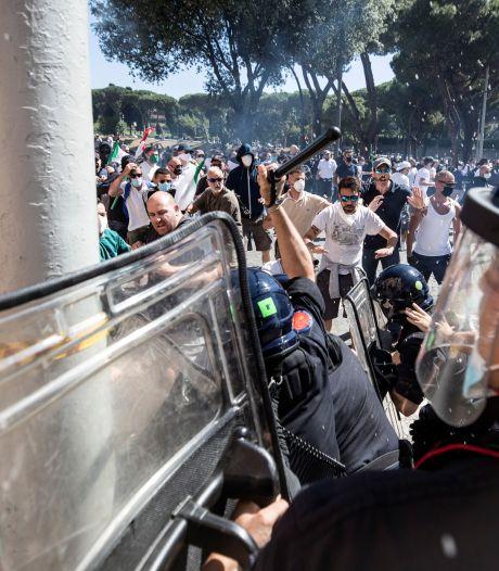 Politie en pers aangevallen op extreem-rechtse demonstratie in Rome
