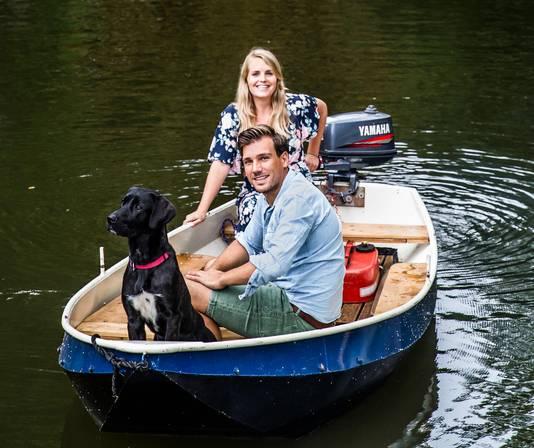 Familieportret: Freddie in het bootje met Lucas en Shody.