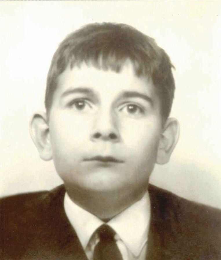 Willem Knaap als jongen van een jaar of 12, toen hij uit het kindertehuis naar pleegouders ging. Beeld