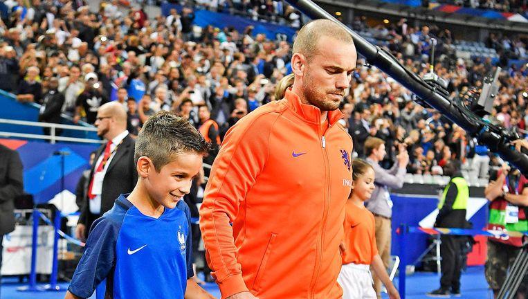 Sneijder kan als ouderwetse '10' de strijd niet meer aan. Beeld Guus Dubbelman