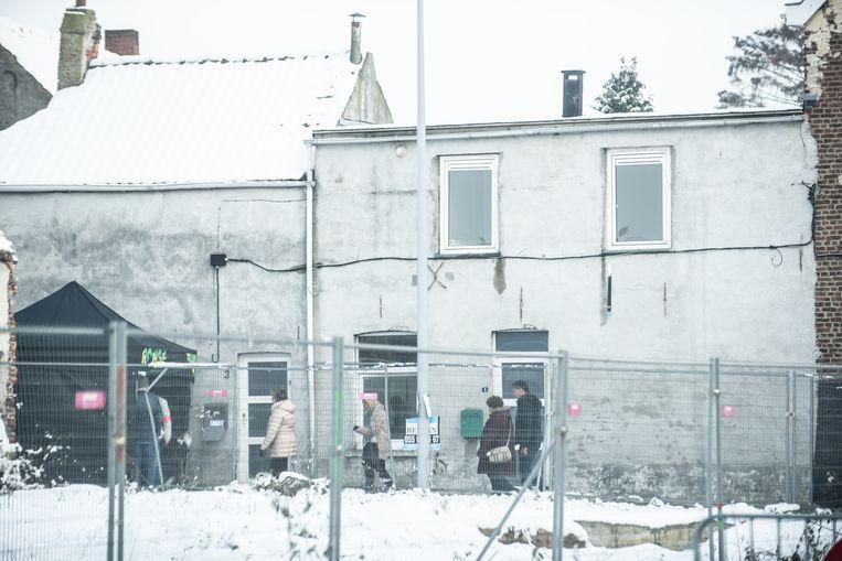 In dit huis aan de hoek van de Zonnestraat en Gasmeterstraat in Ronse speelden de feiten zich af.