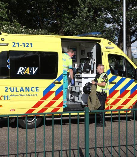 Motorrijder schrikt van auto en gaat onderuit in Schijndel