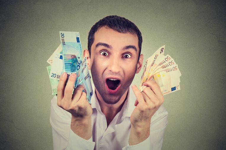 Starters verdienen gemiddeld 2.348 euro bruto.