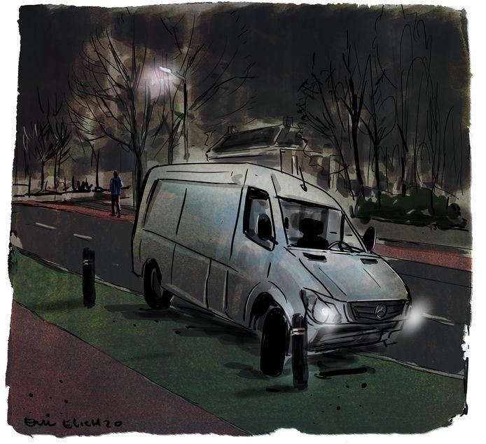 Jorrit laat de gestolen bus achter op de Beverweg in Breda en verdwijnt in de nacht.
