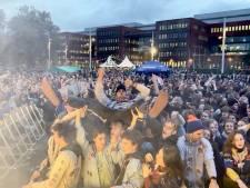 Ruim 3.000 jongeren gaan uit de bol aan station