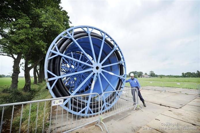 De NAM hield onlangs een open dag bij Vasse bij de veelbesproken afvalwaterinjectieputten. Daar komen nieuwe pijpleidingen voor de transport van het afvalwater.