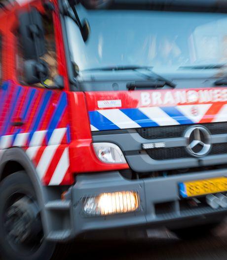 Auto verwoest door brand bij verpleeghuis in Bussum