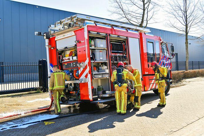 De brand die ontstond in een filter bij een metaalbedrijf aan de Nijverheidsstraat in Bladel is geblust.