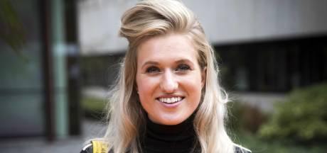 Britt Dekker beschuldigt jury kookshow van cokegebruik: 'Oh nee, toch poedersuiker'