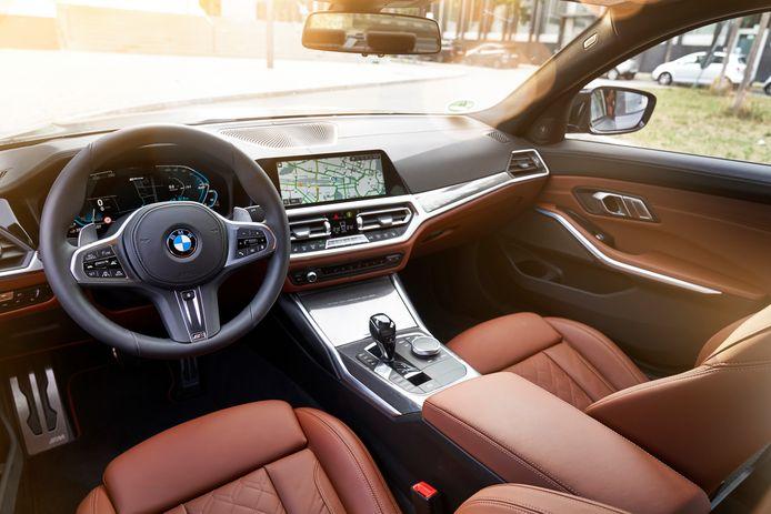 De BMW 330e