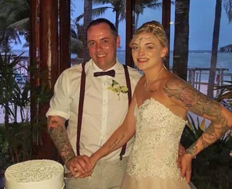 Andy en zijn vrouw Meaghan tijdens hun sprookjesachtige huwelijksfeest in Mexico.