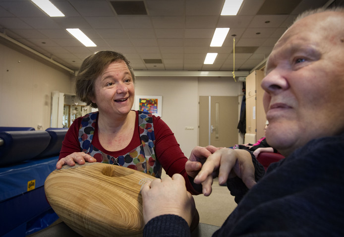 De CRDL bewijst inmiddels dagelijks zijn nut bij Severinus in Veldhoven. Vera Beusink maakt contact met Frank door middel van de CRDL.