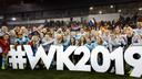 Vreugde bij de Oranje Leeuwinnen na de gewonnen play-off tegen Zwitserland.