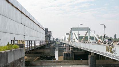 Oude Scheldebrug sneller dan gepland weer open voor verkeer