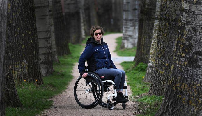 De Culemborgse Marianne Visser–van Duinhoven heeft MS en rolt zondag mee op de Rokjesdagloop in Amsterdam.