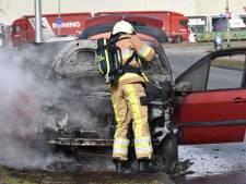 Auto uitgebrand in Deventer