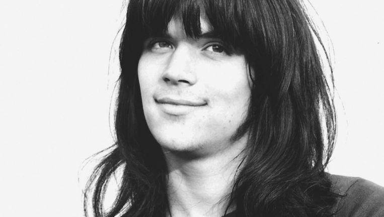 Ernst Jansz: 'Ik had lang haar, blowde, zat in een popgroep en woonde in een commune. Dat was nogal wat voor mijn moeder' Beeld Molly Mackenzie