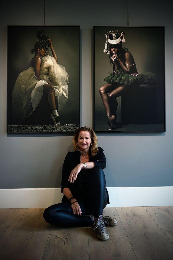 Paulien Huizinga maakt wat ze zelf mooi vindt: portretten van prachtige, krachtige vrouwen.