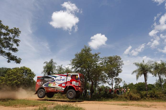 De MAN van Hans Stacey in de eerste etappe van de Dakar Rally 2017