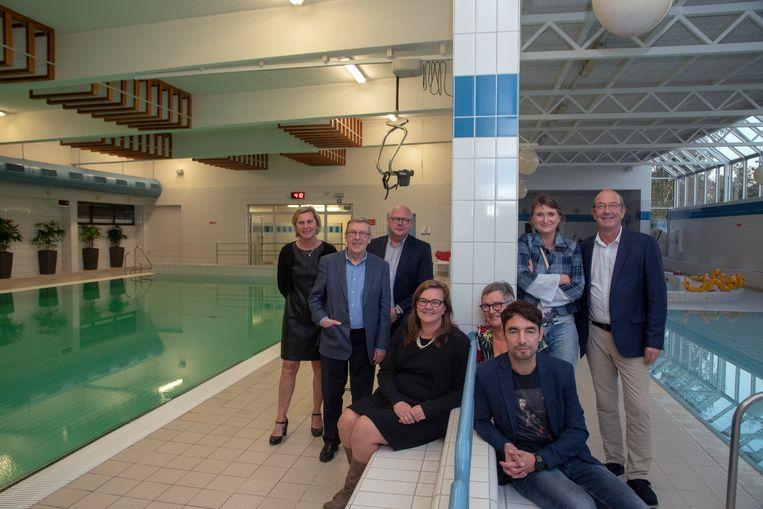 Directie en raad van bestuur van het zwembad De Warande in Wetteren.