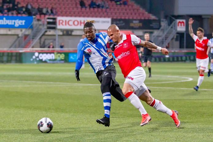 Augustine Loof in actie voor FC Eindhoven.