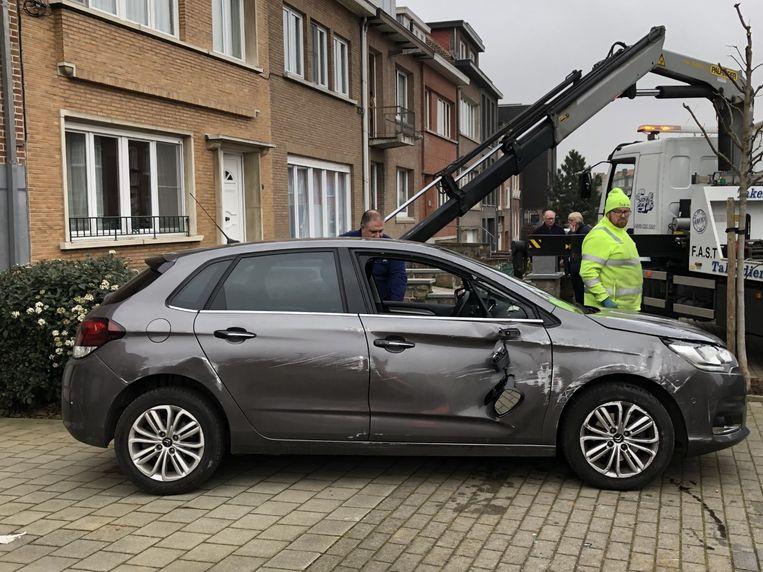 De schade aan de wagen bleek al bij al nog mee te vallen.