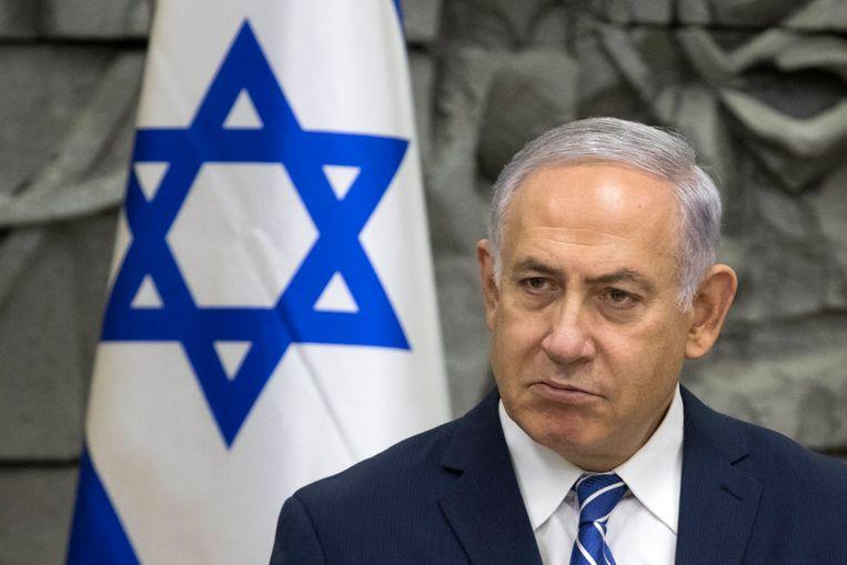 De Israëlische premier Benjamin Netanyahu tijdens een meeting met zijn kabinet eerder vandaag in de Israëlische stad Dimona.