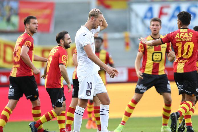 Michel Vlap baalt na de 2-2 van KV Mechelen.