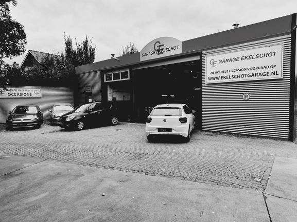 Garagebedrijf Ekelschot aan de Berndijksestraat.