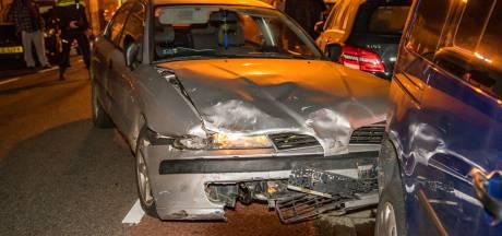 Dronken bestuurder zorgt voor ravage in Terheijden: zes auto's beschadigd