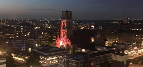 Lichtshow in 3D op de Laurenskerk voor tv-programma