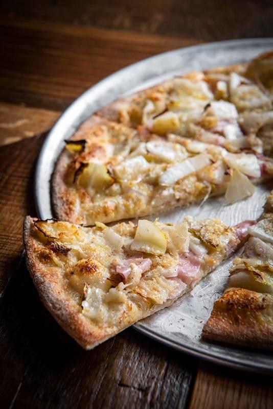 Pizza chicon au gratin