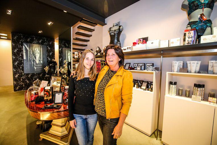Brugge Charisse Van Canneyt en Ann Strybol: tutti passi