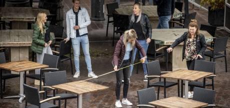 Passen en meten op Groote Markt in Oldenzaal