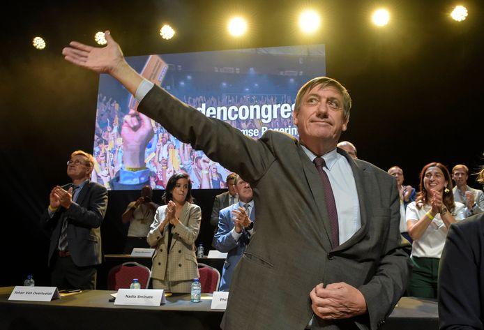 Op het partijcongres van NVA wordt het nieuwe regeerakkoord gestemd.