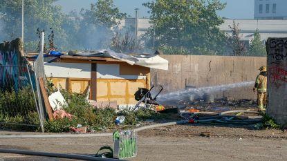Drie woonwagens gaan op in vlammen