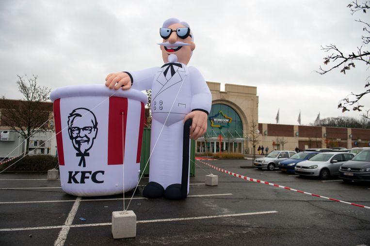 Er werd alles aan gedaan om mensen te laten weten dat KFC de deuren opende