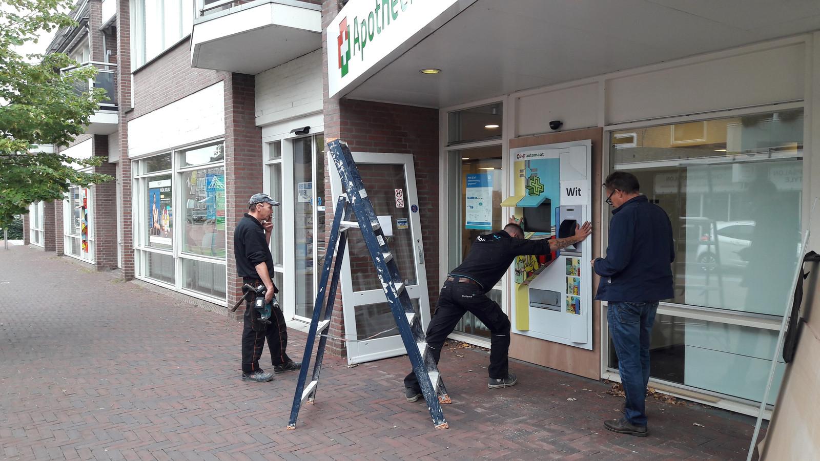 De medicijnenautomaat heeft zijn nieuwe plek aan de Brugstraat in Gennep.