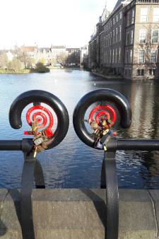 PvdA zit niet te wachten op stad vol liefdesslotjes: 'De slijptol erop'