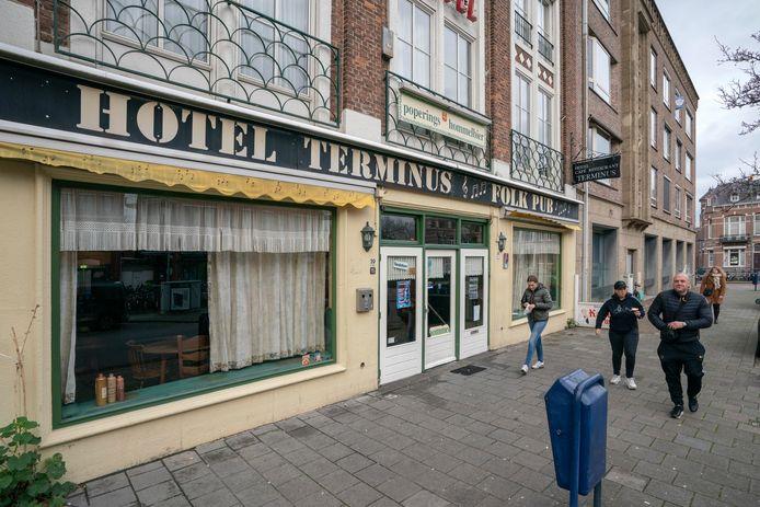 Hotel Terminus is voorlopig een pension voor arbeidsmigranten.